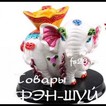 Слон с золотой чашей
