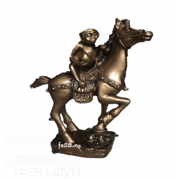 Обезьяна на лошади